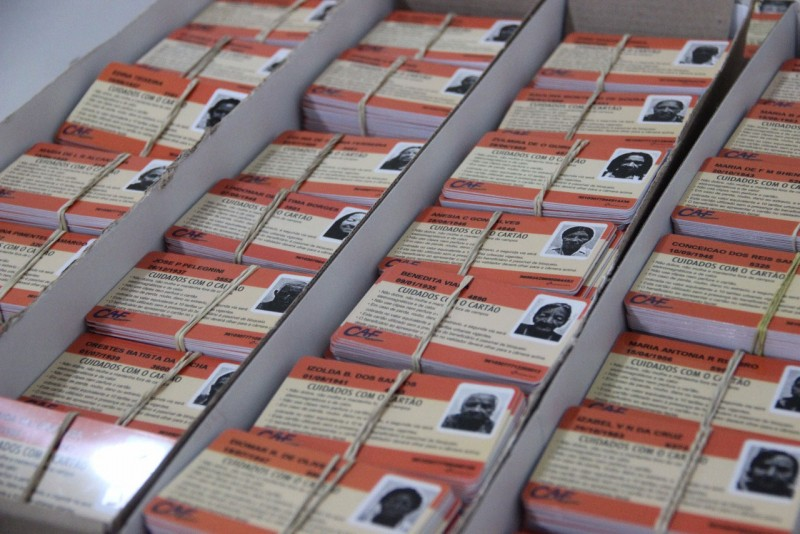 Carteirinhas para Idosos são entregues pela CAF Transportes